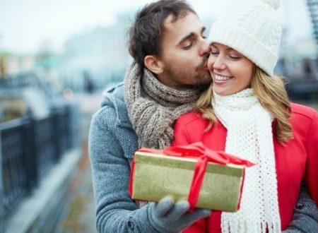 9 regali che gli uomini solitamente fanno e il loro significato