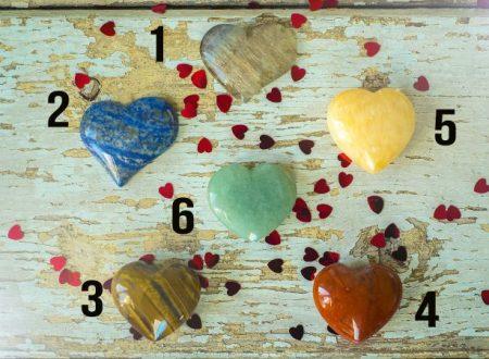 Scegli un cristallo e scopri il tuo messaggio d'amore